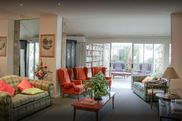 Riverside Manor Lounge